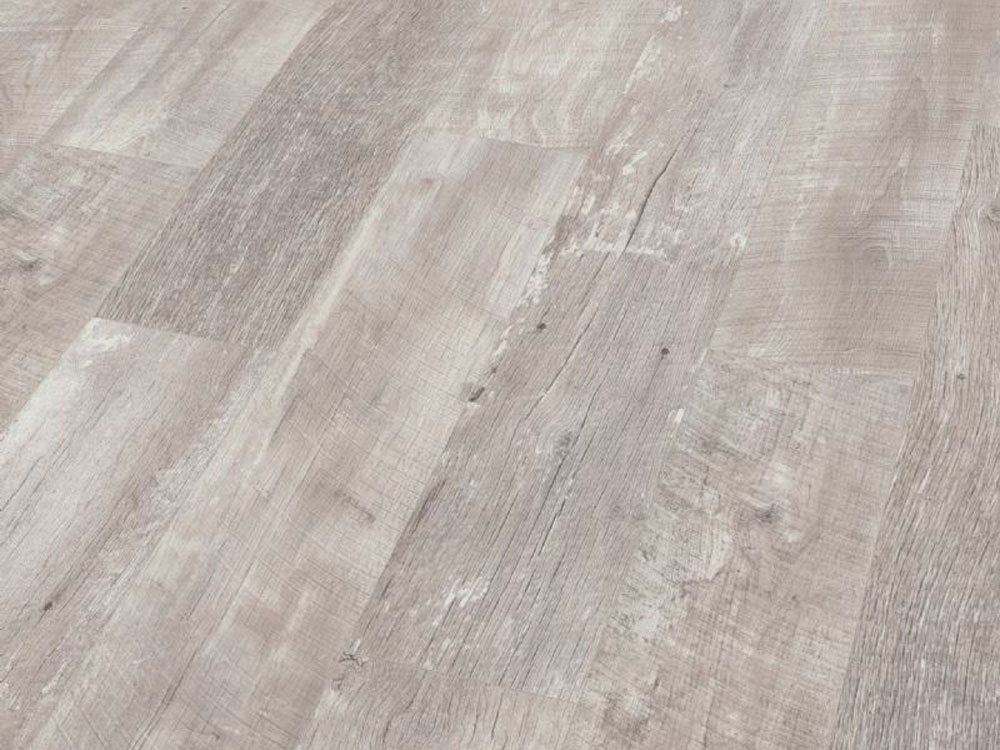 Alabaster Barnwood Oak Laminate Flooring Btw Baths