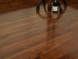Laminate Wood Floors Archives Btw Baths Tiles Woodfloors - What to look for in laminate wood flooring