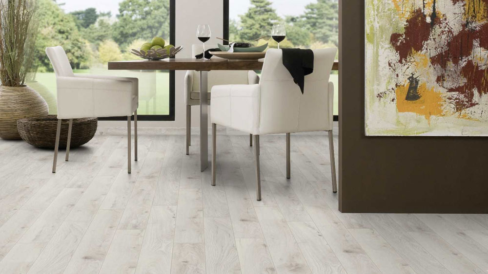 Chantilly Oak Laminate Flooring Btw Baths Tiles Woodfloors