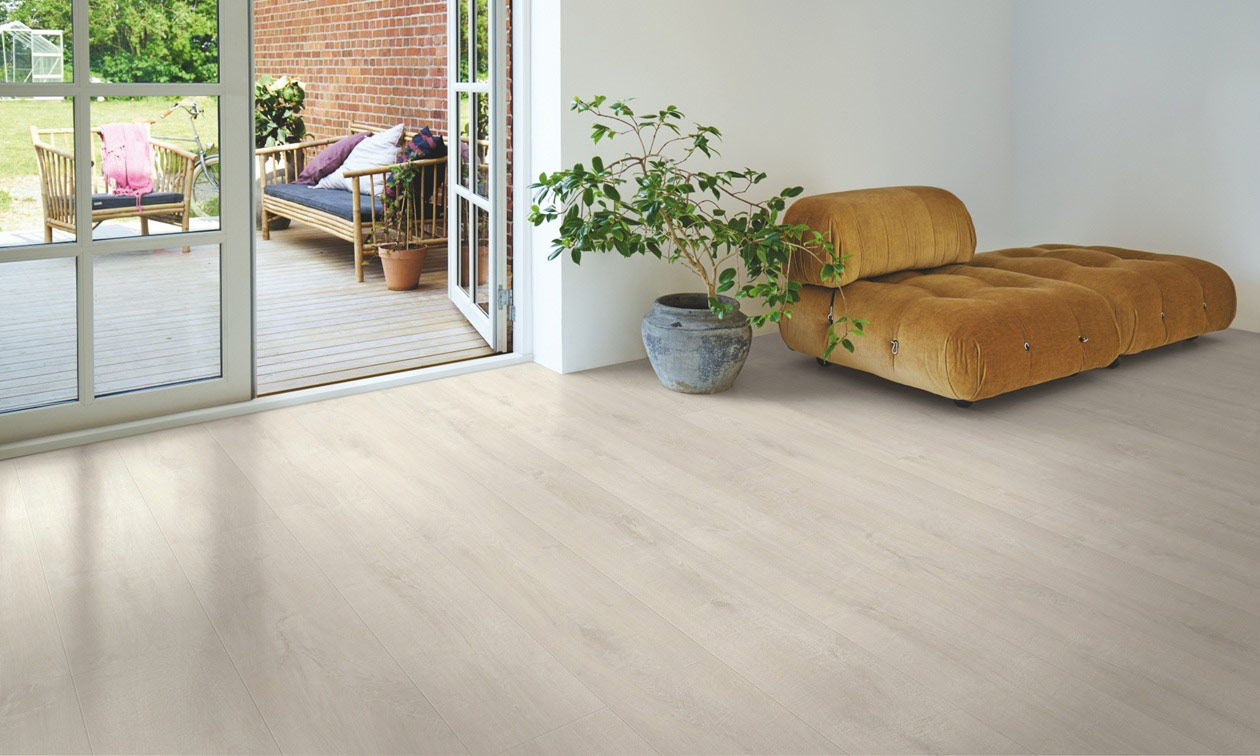 Light Fjord Oak Laminate Flooring Btw Baths Tiles