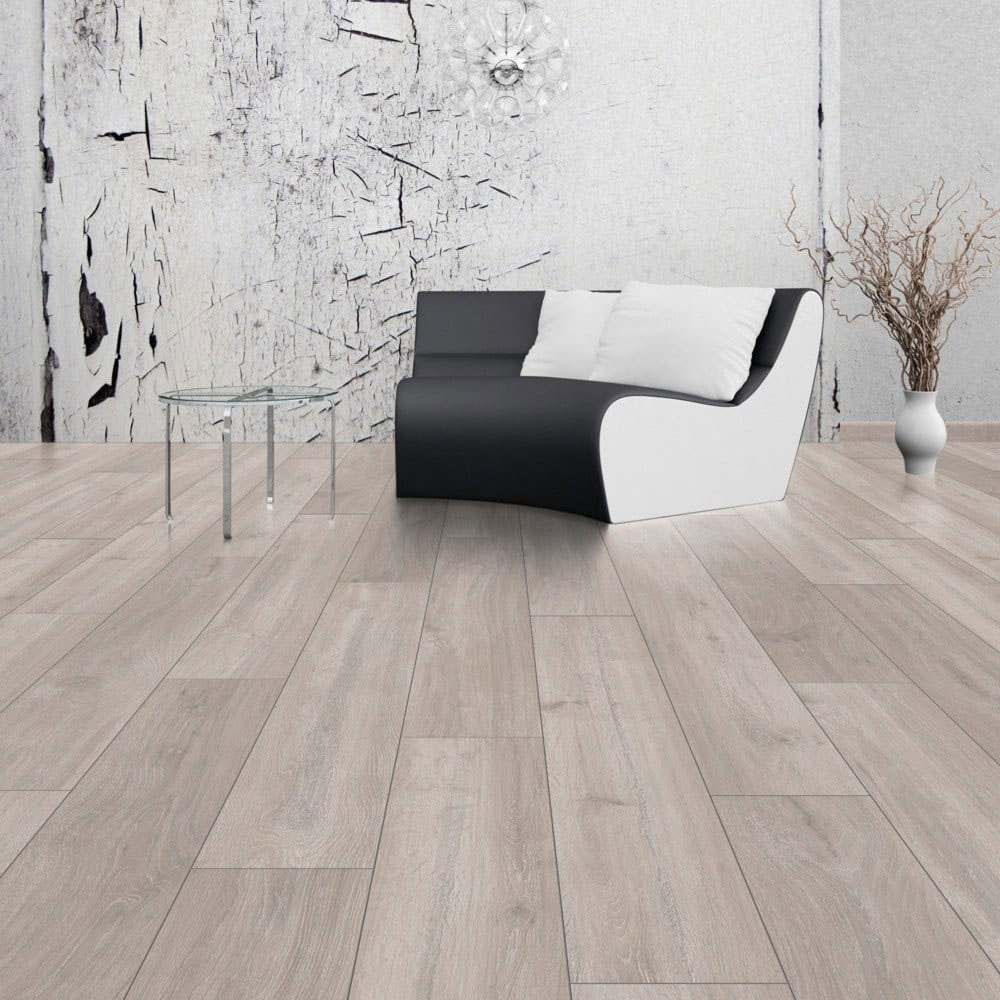 Rockford Oak Laminate Flooring Btw Baths Tiles Woodfloors